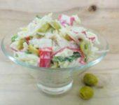 Постный салат с крабовыми палочками
